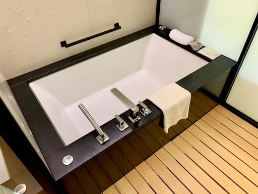 ホテル、ザ・リッツ・カールトン京都のバスルーム
