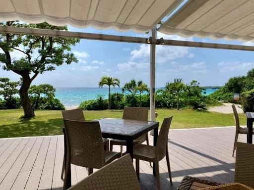 渡口の浜のカフェ