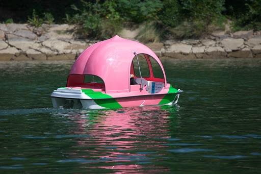 桃型のボート