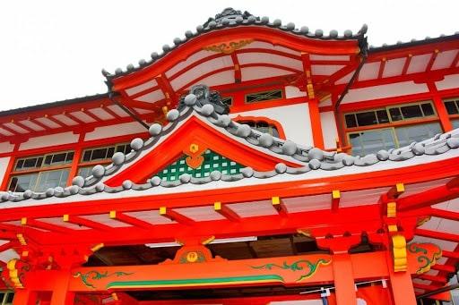 武雄温泉街の桜門