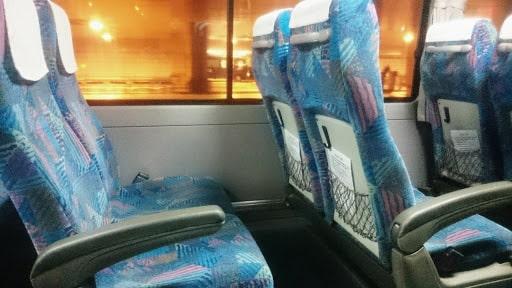 貸切バスの座席